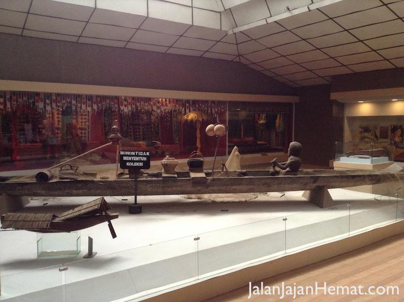 Tempat Wisata Lampung Jalan Jajan Hemat Koleksi Museum Lantai 2