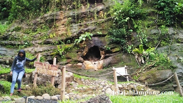 Wira Garden Lampung Tempat Wisata Alam Bandar Adem Goa Topi