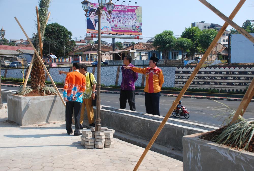 Bandar Lampung Herman Hn Tinjau Taman Jalan Dibawah Fly Walikota