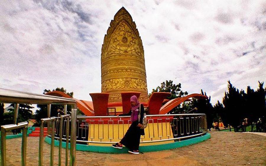 Lampung Tengah Digadang Jadi Pusat Sejarah Kebudayaan Tugu Kopiah Emas