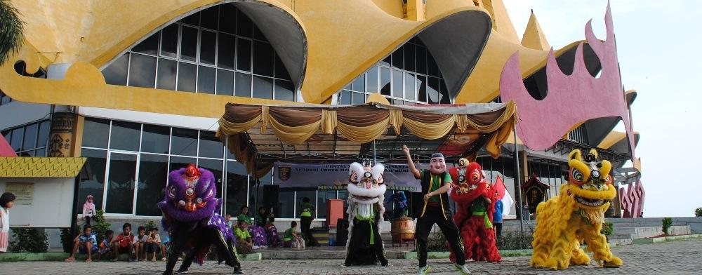 Pentas Seni Budaya Menara Siger Lampung Universitas Malahayati Taman Kota