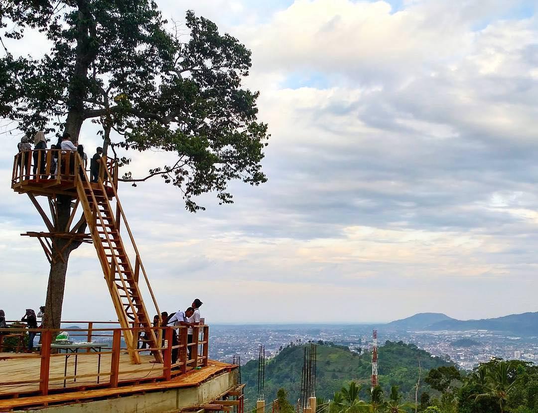 Puncak Mas Sukadanaham Bandar Lampung Menyenangkan Taman Budaya Kota