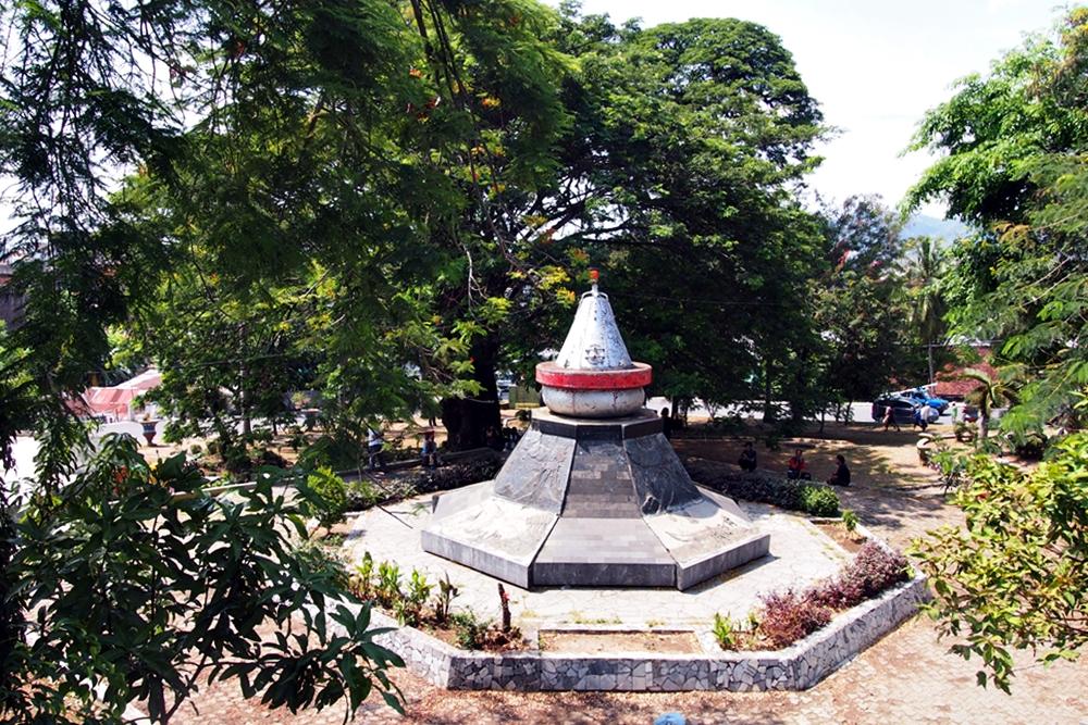 8 Hal Asyik Bisa Dilakukan Bandar Lampung Travel Journal Monumen