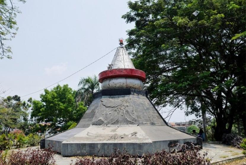 Monumen Krakatau Jadi Sarana Parkir Republika Online Taman Dipangga Bandar