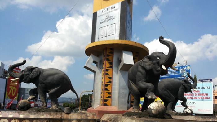 Bundaran Gajah Tugu Adipura Bandar Lampung Tempat Selfie Hingga Aksi