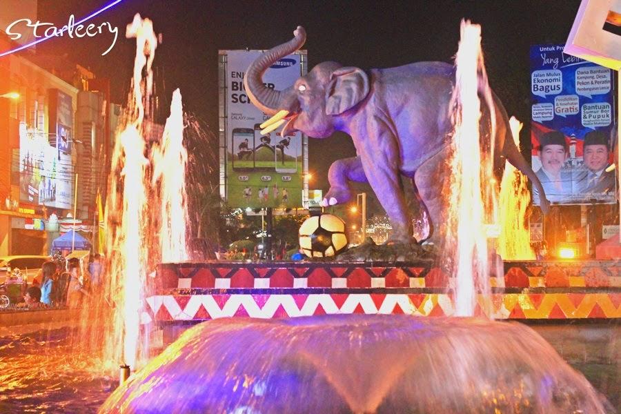 Starleery Menikmati Malam Tugu Gajah Bandar Lampung Katanya Patung Dibuat