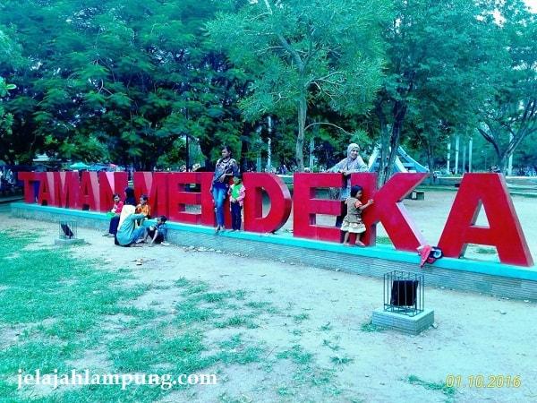 Taman Merdeka Pusat Rekreasi Kota Metro Lampung Gajah Bandar