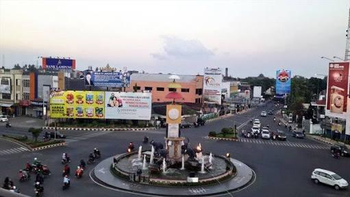 Tugu Adipura Wikipedia Bahasa Indonesia Ensiklopedia Bebas Taman Gajah Lampung