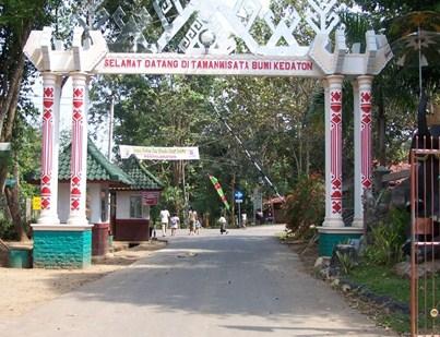 10 Foto Taman Wisata Bumi Kedaton Resort Lampung Harga Tiket