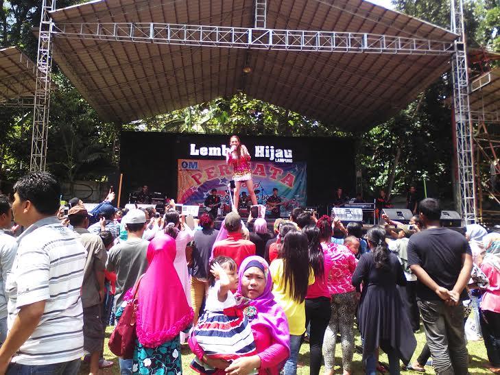 Libur Lembah Hijau Bandar Lampung Ramai Pengunjung Taman Wisata Robby
