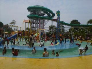 Taman Wisata Lembah Hijau Bandar Lampung Eloratour Water Boom Kota