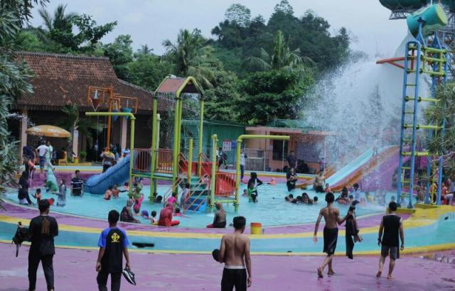 Wow 3 000 Wisatawan Padati Lembah Hijau Bandar Lampung Libur