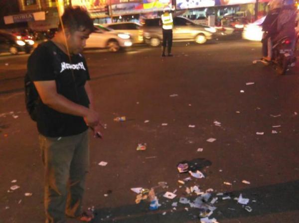 1000 Lilin Tugu Adipura Bandar Lampung Sisakan Sampah Aksi Kota
