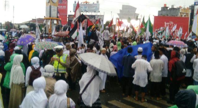 2 500 Ikut Aksi Bela Palestina Tugu Adipura Bandar Lampung