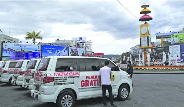 Ambulan Gratis Bagi Masyarakat Kota Bandar Lampung Satndby Tugu Adipura