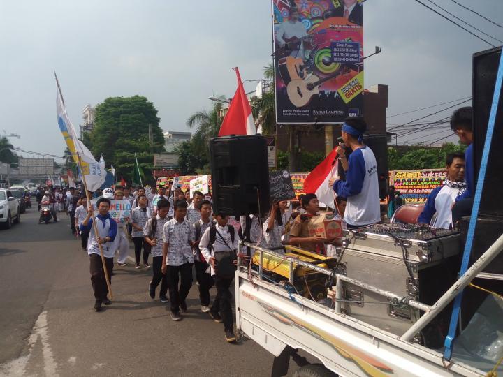 Berita Informasi Seputar Bandar Lampung Sambut Ramadhan Ribuan Pelajar Longmarch