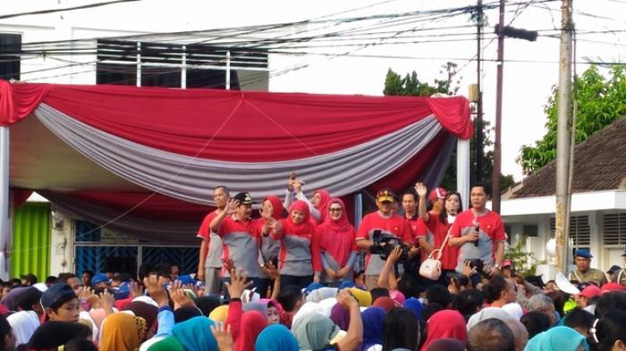 Herman Hn Lepas Peserta Jalan Sehat Tugu Adipura Tribun Lampung