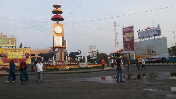Pengalihan Arus Lintas Seputar Tugu Adipura Malam Kota Bandar Lampung