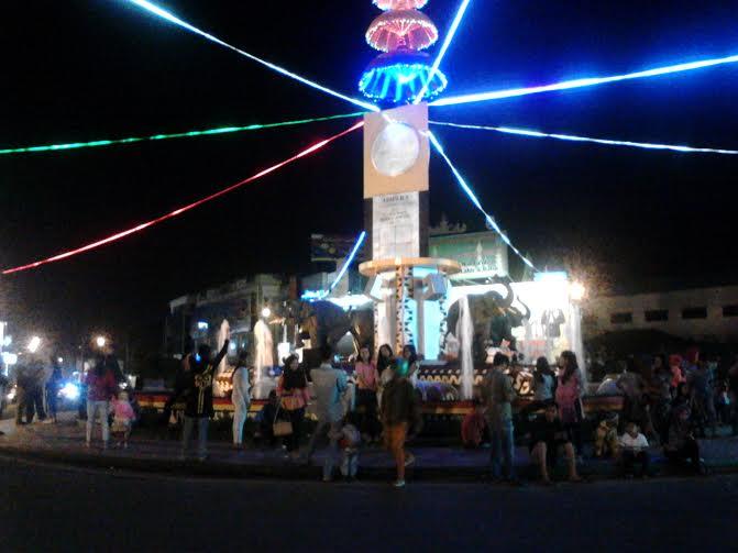 Sambut Idul Fitri Warga Bandar Lampung Tumpah Halaman Masjid Suasana