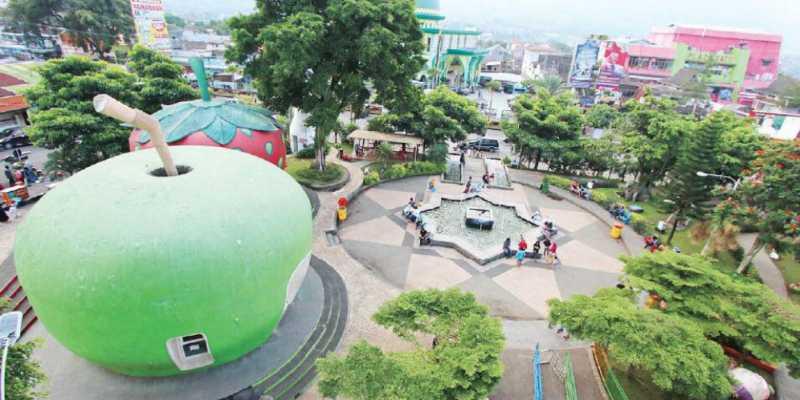 Alun Kota Batu Jadi Destinasi Ngabuburit Favorit Uzone