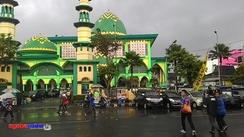 Alun Kota Wisata Batu Serang Puting Beliung Wiro Nyobamoto Image