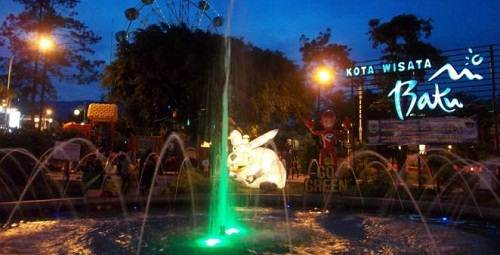 Romantisme Wisata Malam Alun Kota Batu