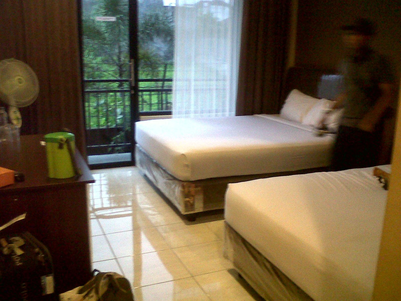 Malang Day 2 Hotel Batu Wonderland Electric Kettle Kopi Teh