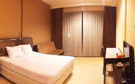 Rooms Batu Paradise Hotel Offers View Kota Wisata Fresh Air