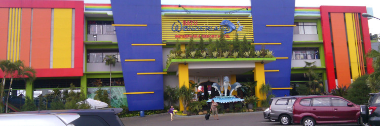 Serunya Berlibur Batu Wonderland Water Park Resort Travel Kota