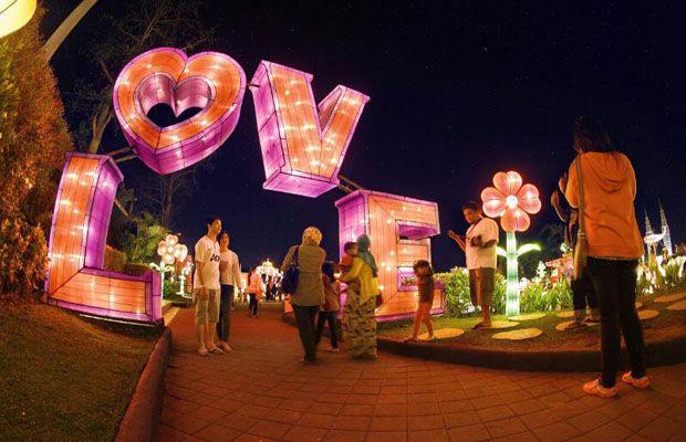 Nighttimes Mumpung Diskon Tepat Wisata Bns Taman Lampion Menjadi Salah