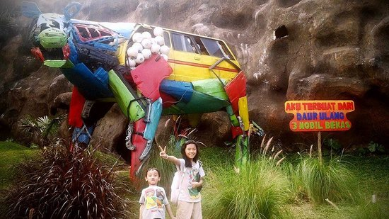 Jatim Park Picture Jawa Timur 2 Batu Tripadvisor Cars Recycling
