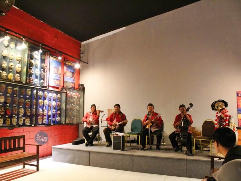 Jejaki Dunia Melalui Museum Angkut Kota Batu Malang Rudi Hartoyo