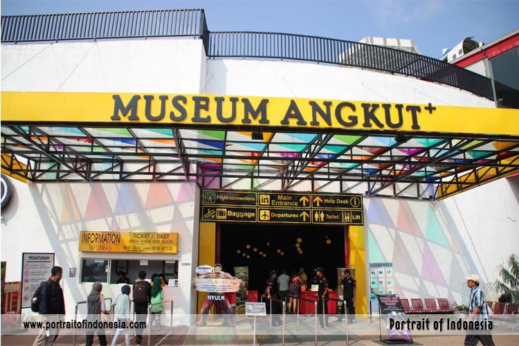 Museum Angkut Keliling Dunia 1 Hari Oleh Vika Chorianti Topeng