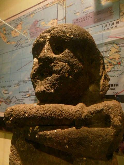 Patung Yene Abad 17 Salah Satu Koleksi Berharga Topeng Museum