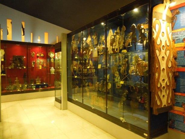 Review Tempat Wisata Indonesia Objek Topeng Kingdom Museum Diajak Menikmati