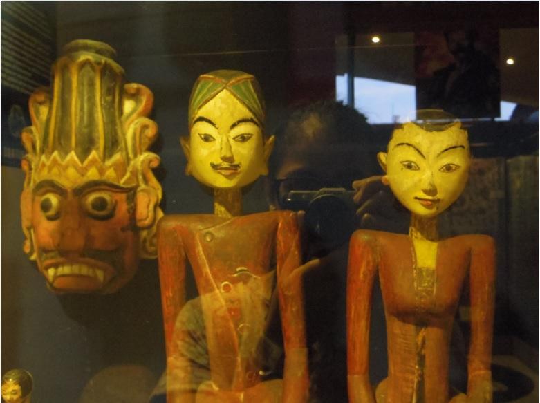 Topeng Kingdom Museum Angkut Kota Batu Patung Loro Blonyo Bayangan