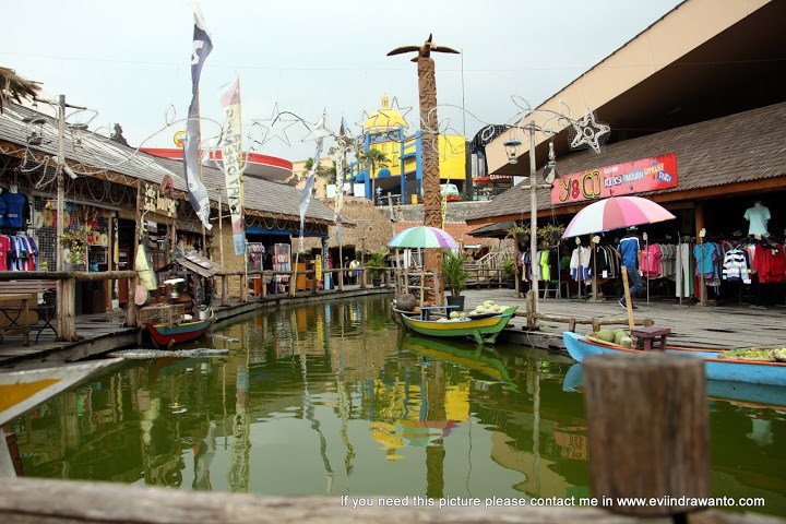 Pasar Apung Nusantara Jurnal Perjalanan Evi Indrawanto Kota Batu