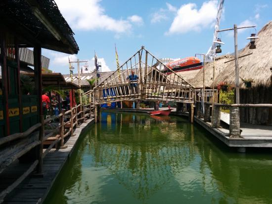 Pasar Apung Nusantara Picture Museum Angkut Batu Tripadvisor Kota