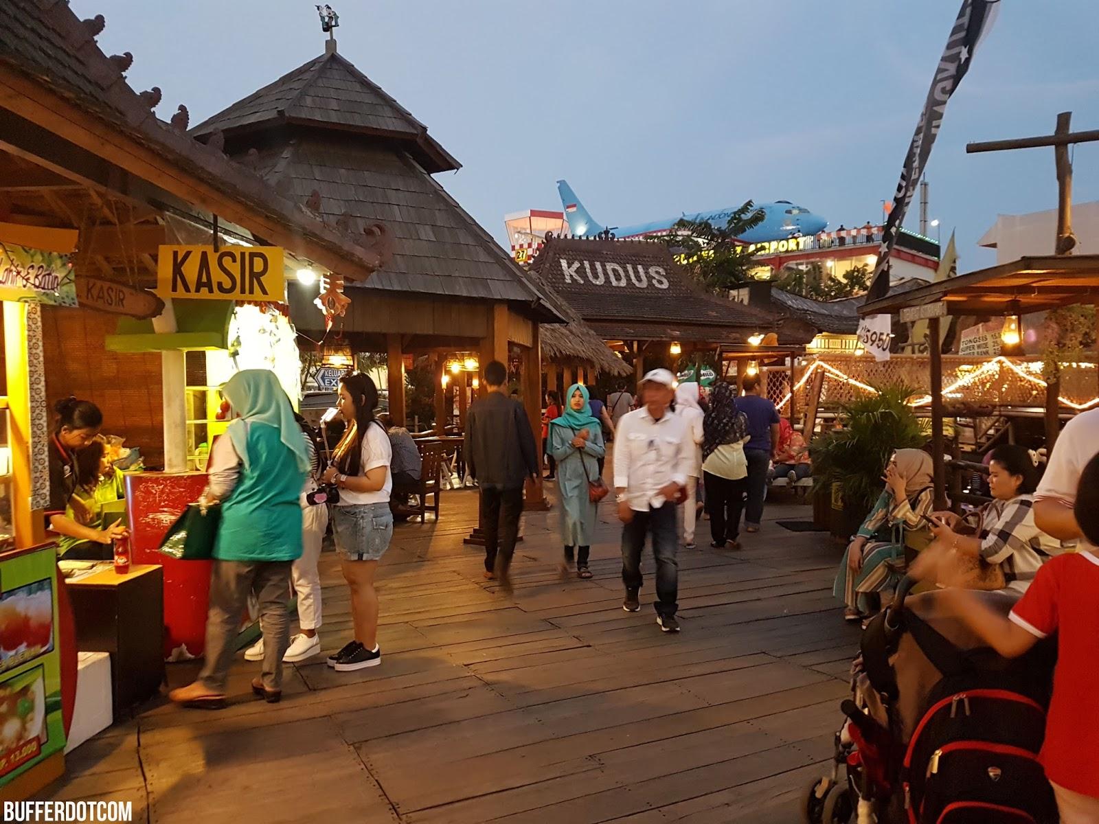 Travel Pasar Apung Nusantara Batu Malang Jawa Timur Bufferdotcom Gerai