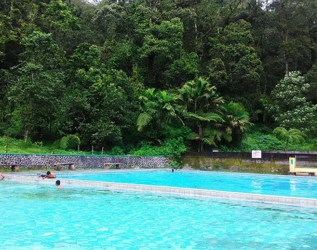 Wisata Pemandian Air Panas Cangar Batu Malang Hotel Pohon Inn