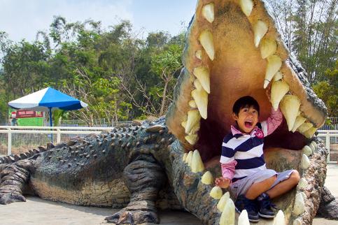 01 Predator Fun Park Galeri Buaya Jpg Kota Batu