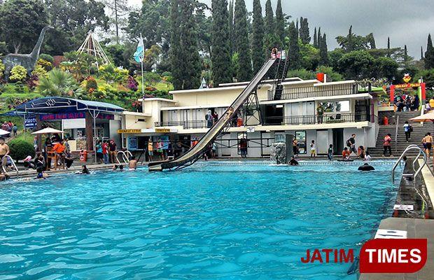 Traveltimes Kolam Renang Jadi Landmark Taman Selecta Batu Times Menjadi