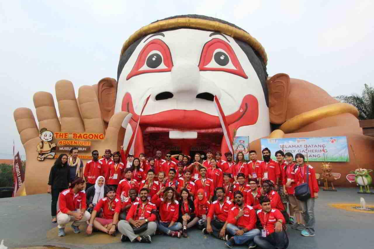 Keren Keseruan Mahasiswa Asing Berwisata Museum Tubuh Bagong Adventure Kota