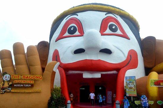 Pintu Masuk Museum Tubuh Manusia Bagong Adventure Picture Human Body