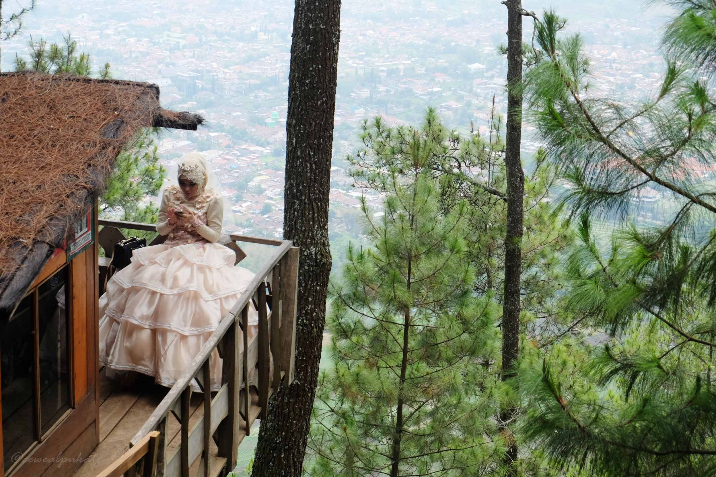 Omah Kayu Paralayang Batu Malang Spot Romantis Melamar Pasangan Siapa