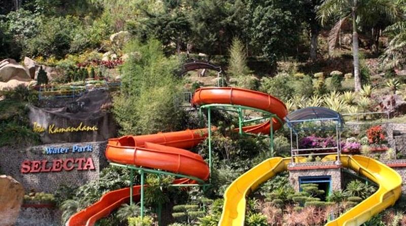 Rekomendasi Tempat Wisata Menarik Kota Batu Water Park Selecta Songgoriti