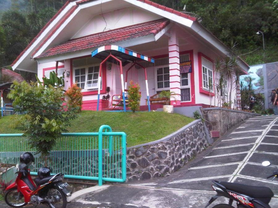Villa Batu Permai Songgoriti Kota Wisata Malang Dijual