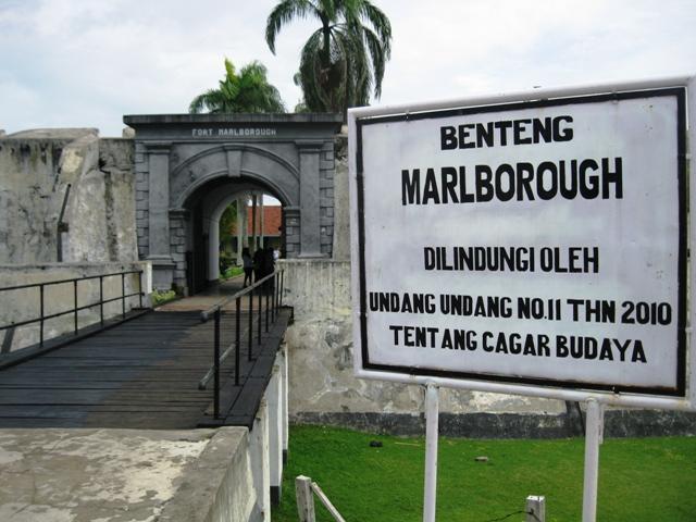 Benteng Marlborough Bengkulu Backpacker Jakarta Foto Travelinghematnusantara Kota