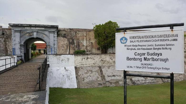 Benteng Marlborough Bengkulu Instagenic Sekaligus Mistis Fort Fitraya Detiktravel Kota