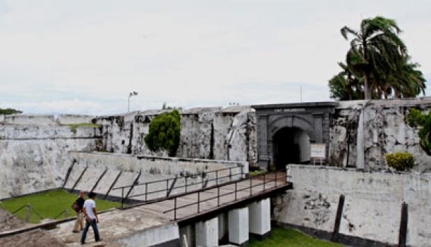 Benteng Marlborough Bengkulu Lokasi Lihat Gerhana Matahari Travel Tempo Gunawan